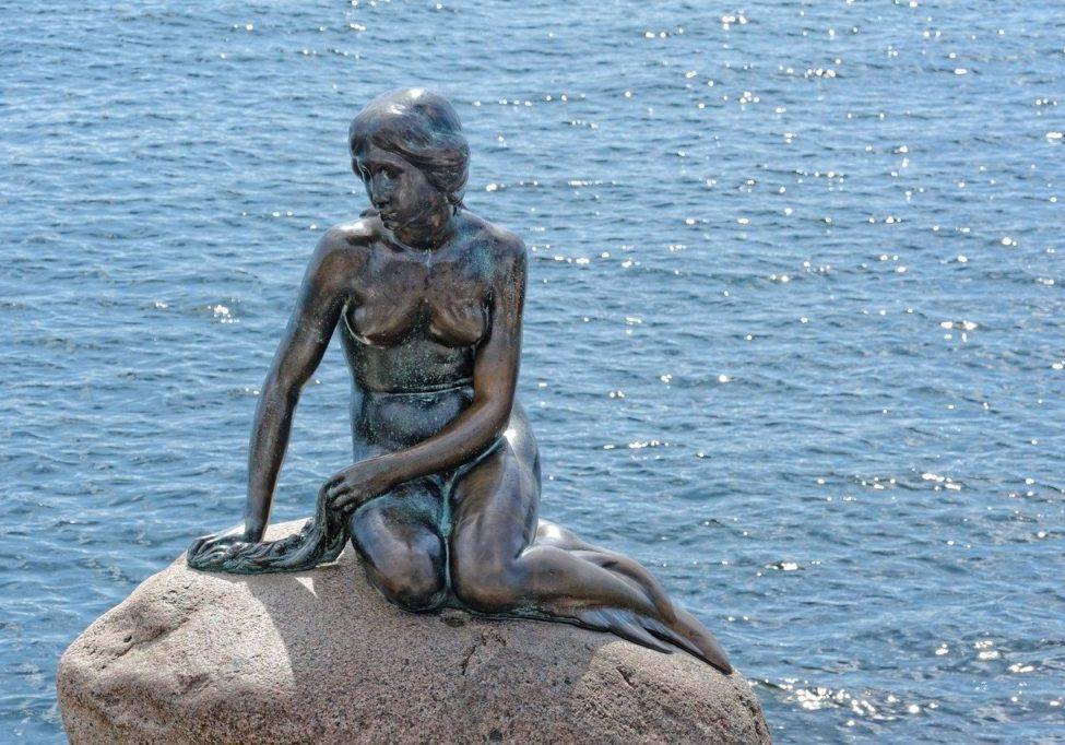 water, monument, copenhagen-1875401.jpg